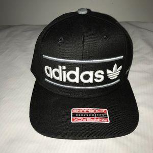NWT Adidas Heritage SnapBack